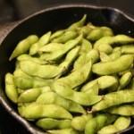 スキレットで焼き枝豆